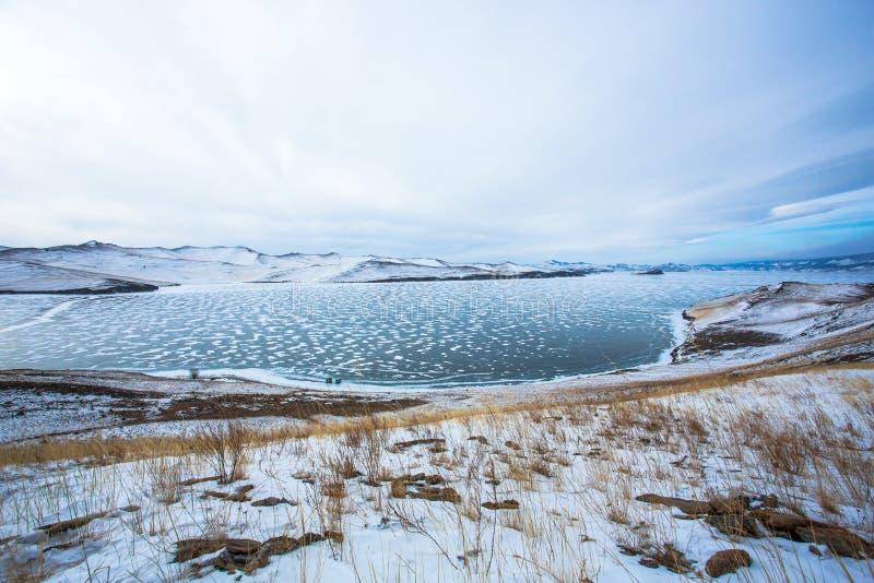 Djupfryst sjö från den Stupa ön arkivfoto