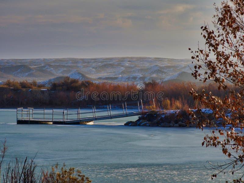 Djupfryst sjö i December arkivfoton