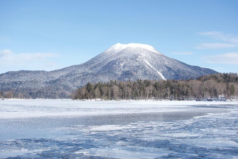 Djupfryst sjöAkan, Hokkaido royaltyfri bild