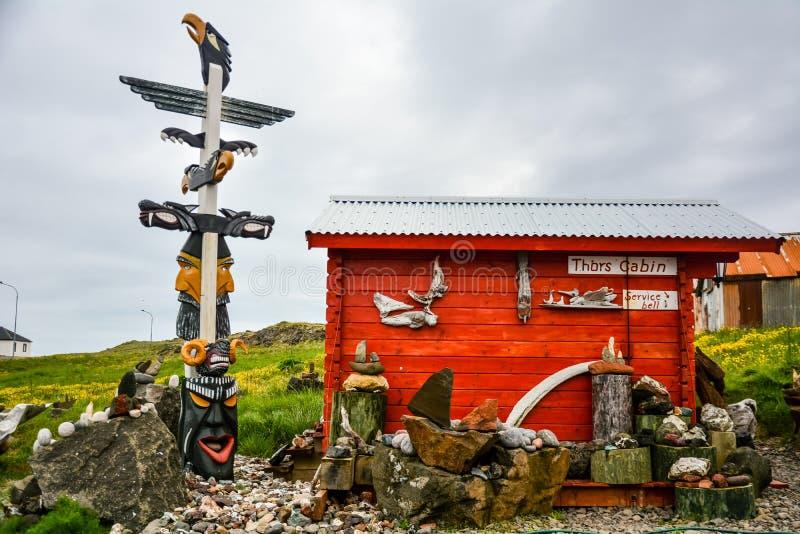 Djupivogur Iceland, Czerwiec, - 24, 2014: typowy dom wewnątrz lub kabina Ja zdjęcie stock