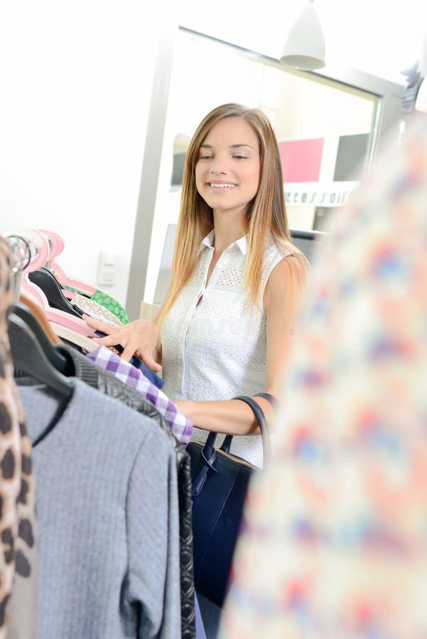 Dla kobieta zakupy odziewa zdjęcie stock