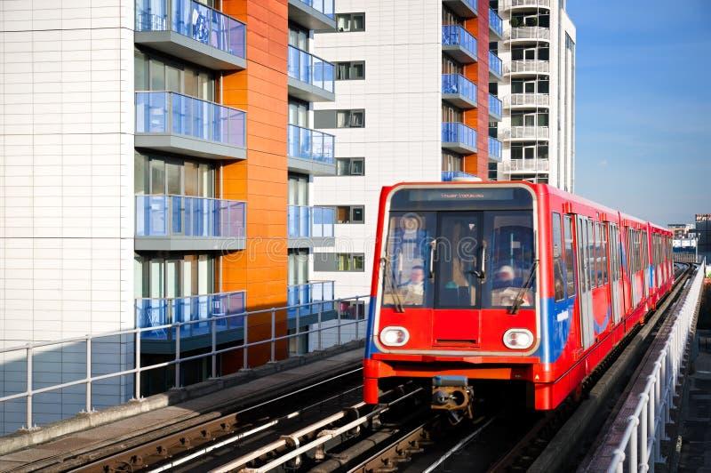 DLR trein, Londen. stock afbeelding