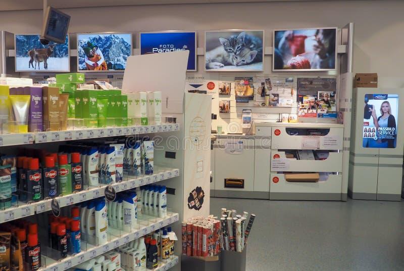 Dm-drogerie markt in Frankfurt, Duitsland stock foto's