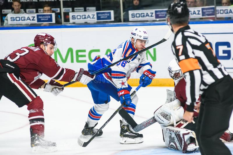 Dmitry Shulenin L, Andrei Kuzmenko C et Timur Bilyalov R, pendant la Ligue de Hockey KHL de Kontinental 2018/2019 vacarme de jeu  image stock