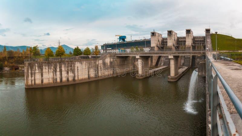 dnepr władze wodnej stacji zaporozhye Ukraine rzeki zdjęcia royalty free