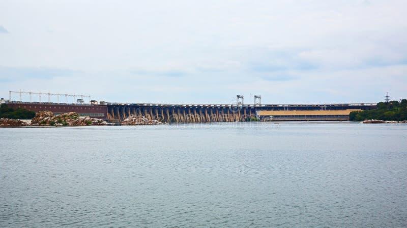 Dneproges - la plus grande centrale hydroélectrique sur la rivière de Dnieper  image stock