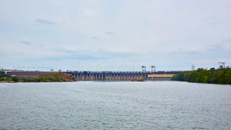 Dneproges - la plus grande centrale hydroélectrique sur la rivière de Dnieper  photo libre de droits