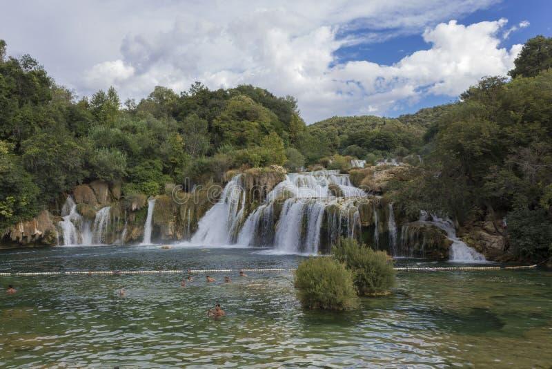 Dnia widok Krka siklawy w natual parku zdjęcie royalty free