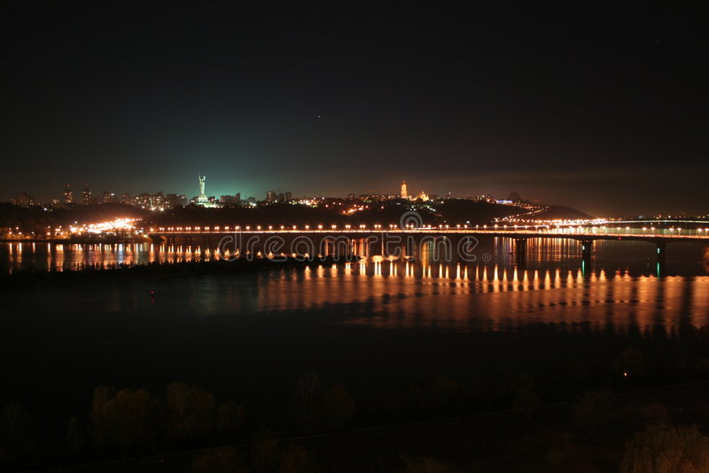 Dniper in der Nacht stockfoto