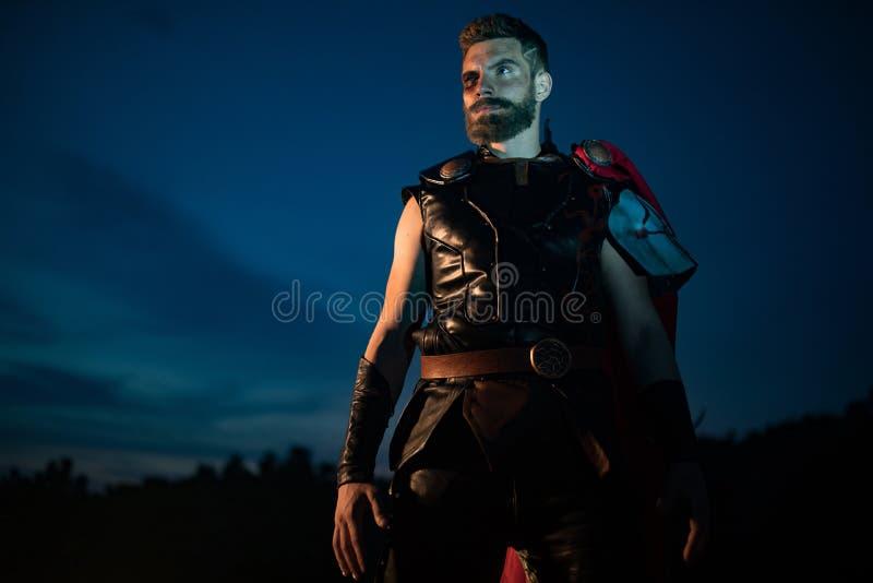 Dnipro, Ucraina 5 giugno 2019: Cosplayer illustra il supereroe Thor fotografia stock