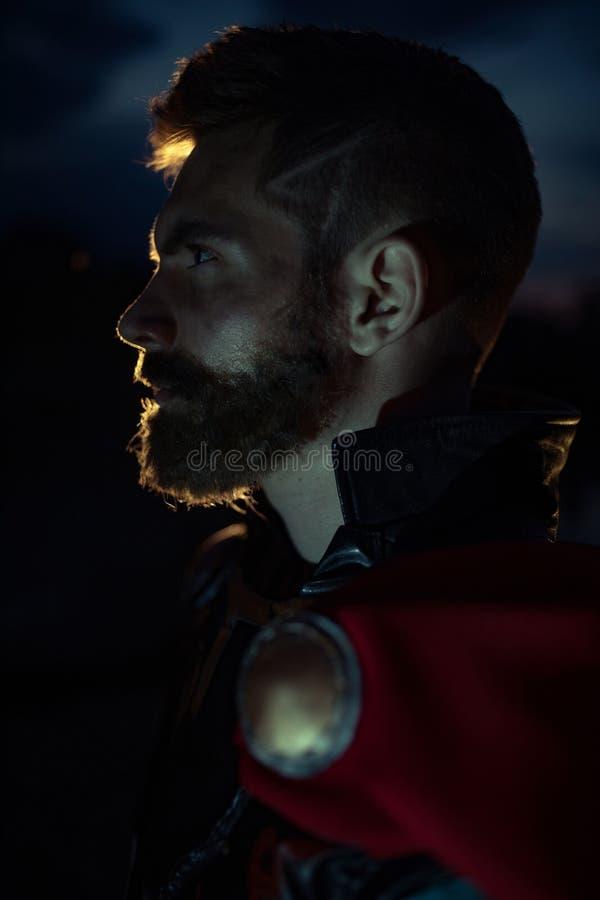Dnipro, Ucraina 5 giugno 2019: Ritratto di cosplayer che illustra supereroe Thor immagine stock