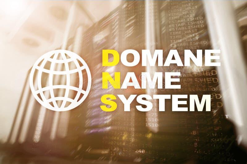 DNS - Domain Name System, Server und Protokoll Internet und Digitaltechnikkonzept auf Serverraumhintergrund stock abbildung