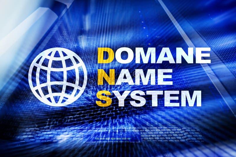 DNS - Domain Name System, serveur et protocole Internet et concept de technologie numérique sur le fond de pièce de serveur photo libre de droits
