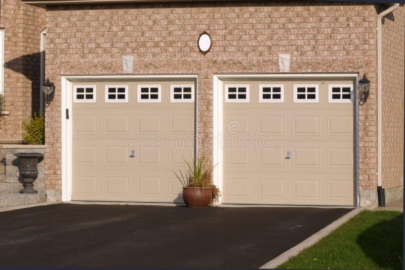 dołączający cegły kopii garażu dom obrazy stock