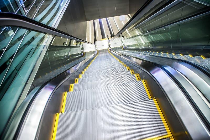 Do aeroporto do passeio travelator movente igualmente, walkalator foto de stock royalty free