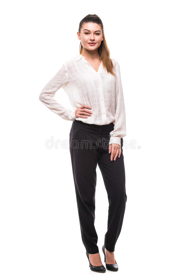 Do comprimento da jovem mulher cabelo escuro longo completo em linha reta que levanta no estúdio isolado no fundo branco fotografia de stock royalty free
