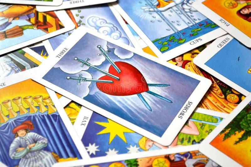 3 do desgosto do cartão de tarô das espadas rasgam a tristeza profunda da dor fotos de stock