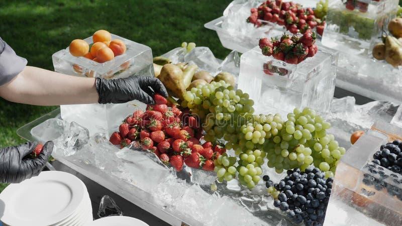 Do fundo saudável do alimento da dieta frutos coloridos imagem de stock royalty free