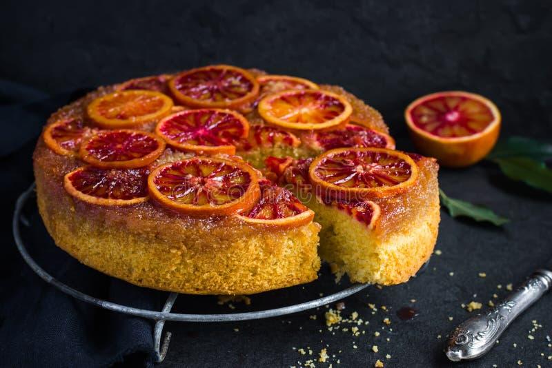 Do góry nogami krwionośnej pomarańcze tort obrazy royalty free