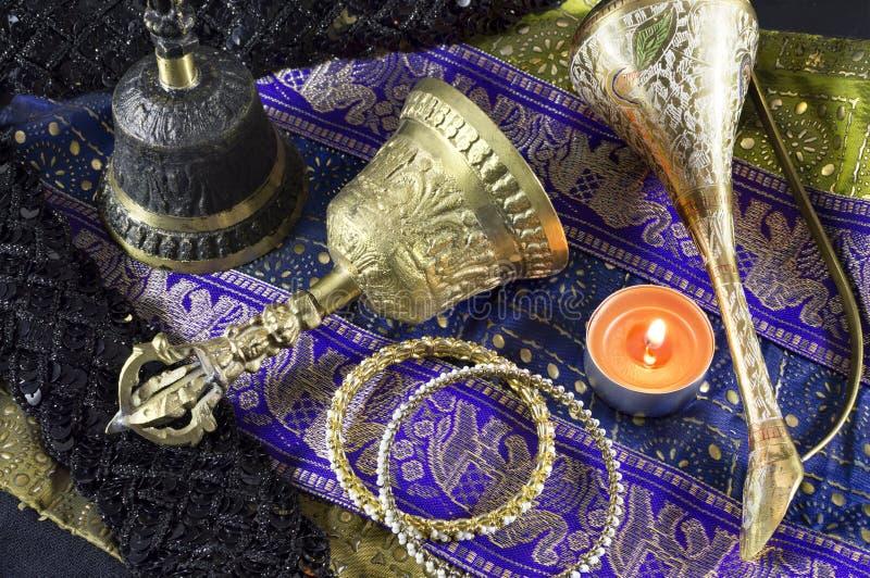 Do indiano vida ainda com sinos fotos de stock royalty free
