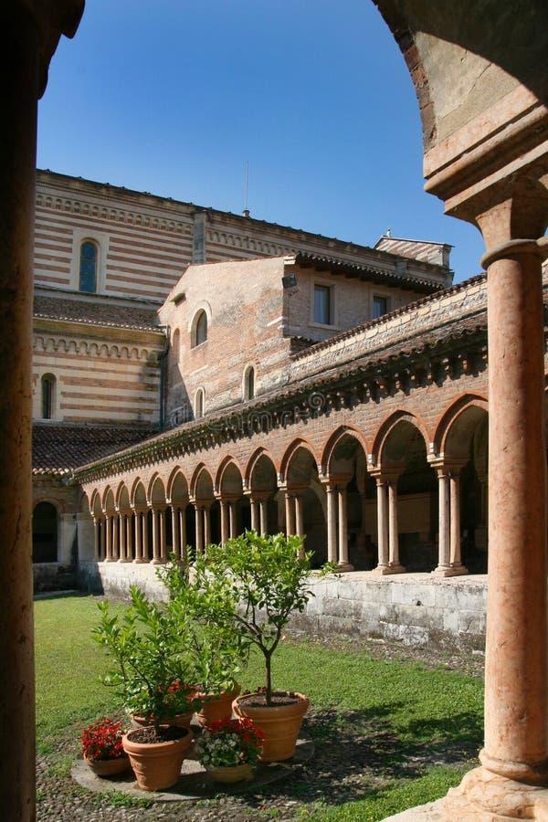 do kościoła San Zeno zdjęcia stock