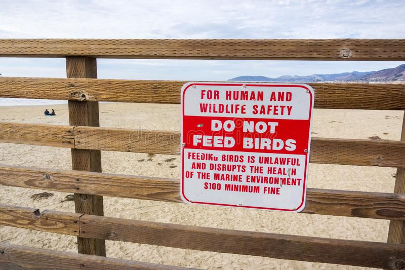 `Do not feed birds ` sign royalty free stock photography