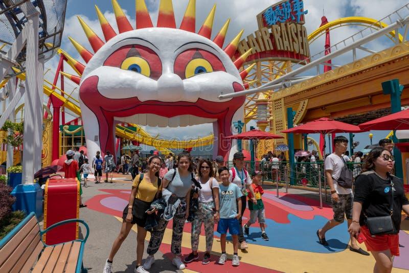 Do oceano do parque de Hong Kong do divertimento da família do divertimento colorido brilhante do dia junto imagens de stock