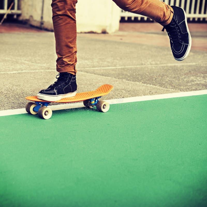 Do parque extremo do skater do esporte do skate atividade recreacional Conce fotografia de stock royalty free