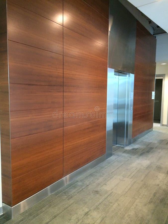 2do pasillo del elevador del piso imágenes de archivo libres de regalías