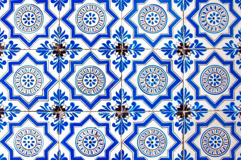 Do vintage retro colorido brilhante velho holandês do ornamento da pintura do teste padrão da telha da Holanda branco azul imagem de stock
