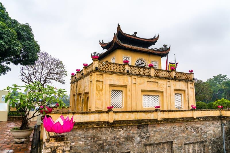 Doan Mon, der Haupttor langer Kaiserzitadelle Thang in Hanoi, Vietnam lizenzfreie stockbilder