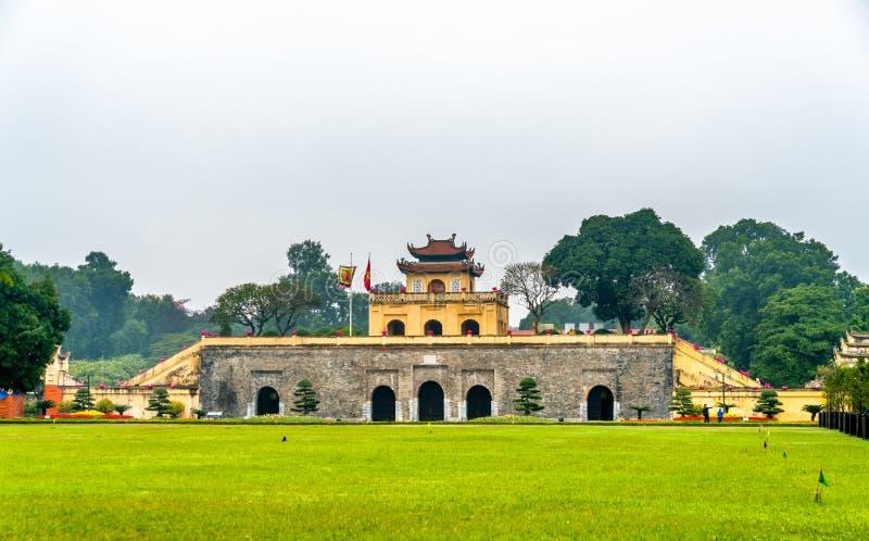 Doan Mon, il tubo principale della cittadella imperiale lunga di Thang a Hanoi, Vietnam fotografia stock