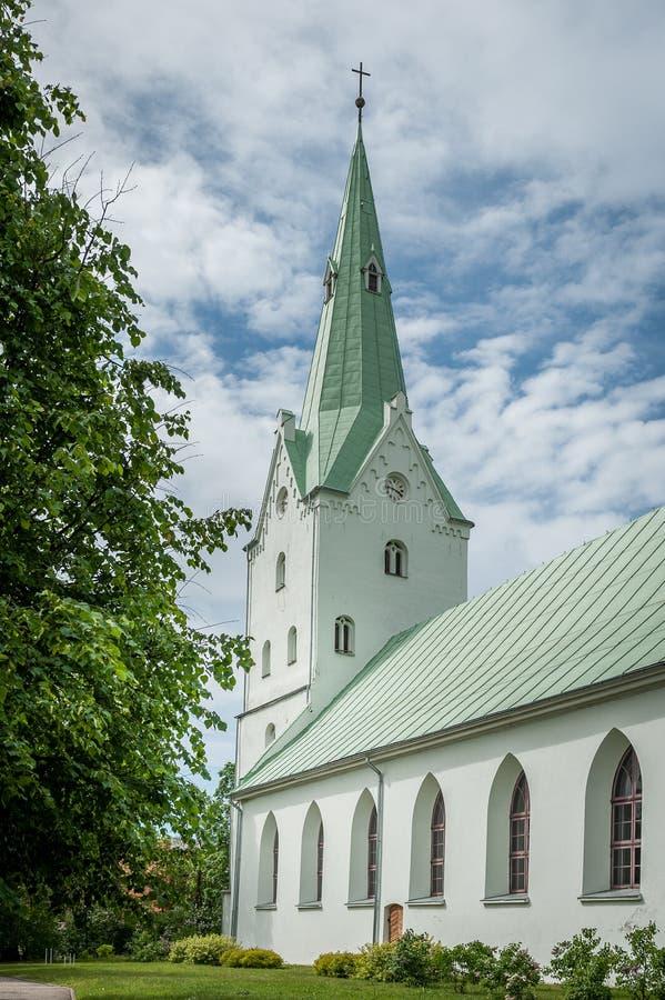 Dobele Ewangelicki Luterański kościół w miasto parku obrazy royalty free