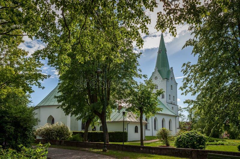 Dobele Ewangelicki Luterański kościół w miasto parku zdjęcie royalty free