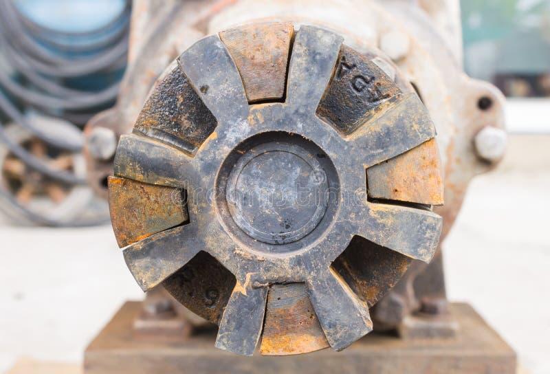 Dobierać się Przemysłowa pompa wodna zdjęcia stock