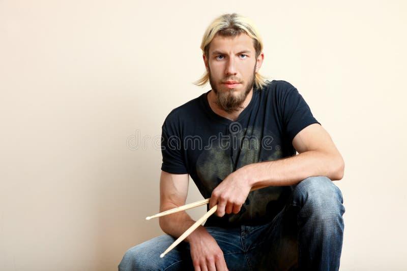 Dobosz z drumsticks obrazy royalty free