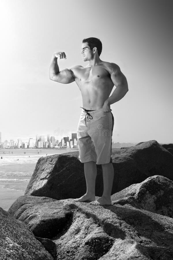 Dobramento do Bodybuilder fotos de stock