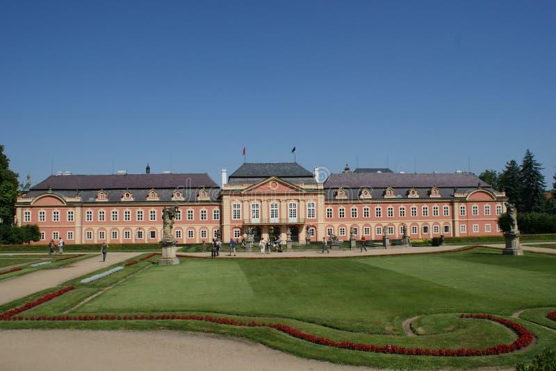 Dobris Schloss nahe Prag lizenzfreie stockbilder