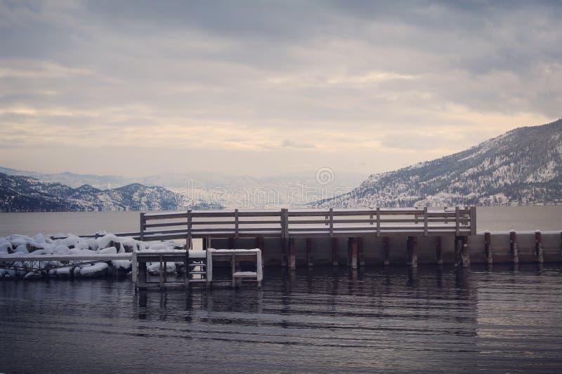 Doca da paisagem do inverno fotografia de stock