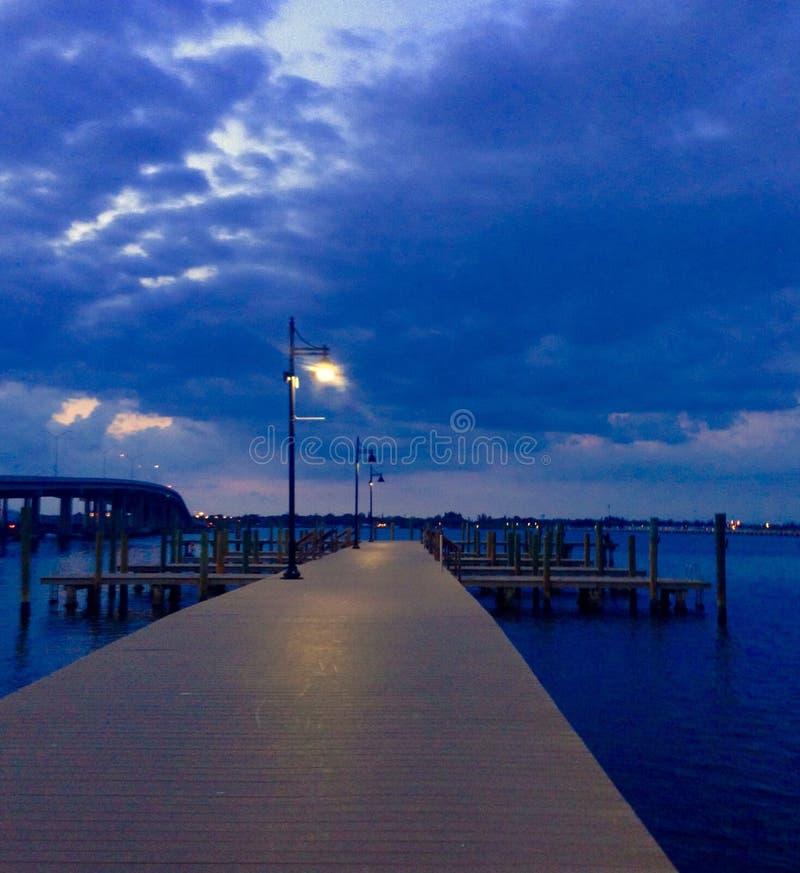Doca de Florida da baía de Riverwalk Sarasota da praia de Bradenton fotografia de stock royalty free