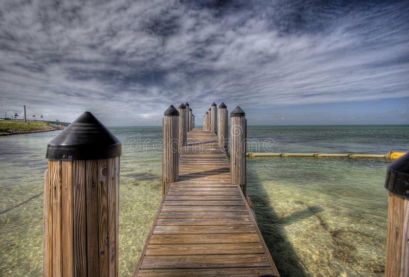 Doca de madeira em chaves de Florida fotografia de stock royalty free