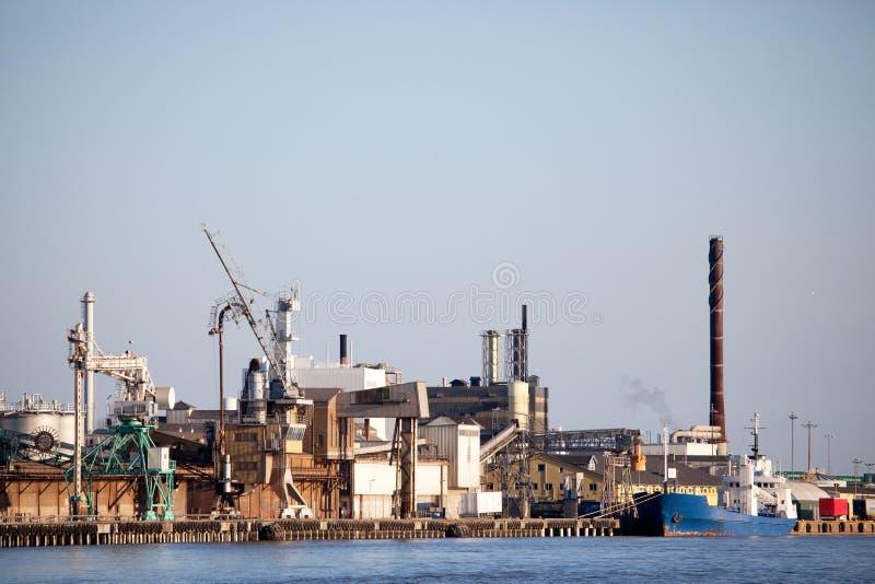Doca industrial do transporte foto de stock