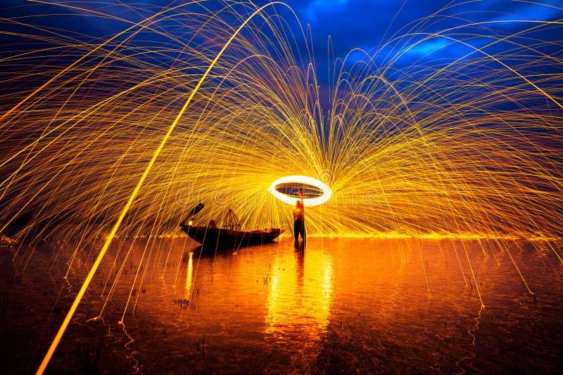 Docce delle scintille d'ardore calde fotografia stock libera da diritti