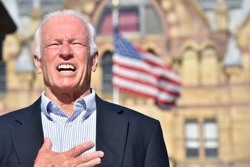 Doceniający Dorosły Starszy gubernator Jest ubranym garnitur fotografia royalty free