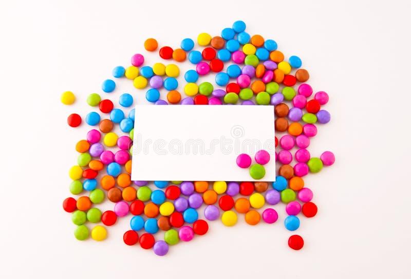 Doces de chocolate coloridos foto de stock
