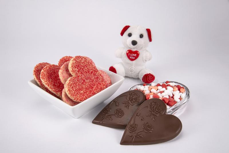 Doces e cookies do dia de Valentim fotografia de stock royalty free