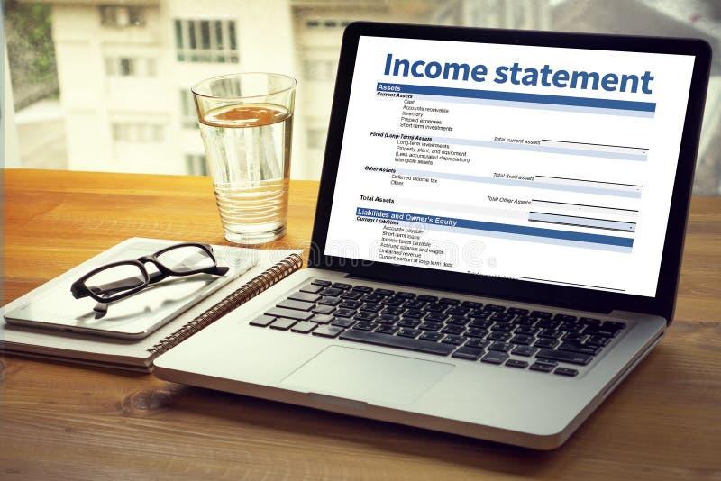 Dochodu oświadczenia biznesmena oceny Zatrudnieniowa równowaga obraz royalty free