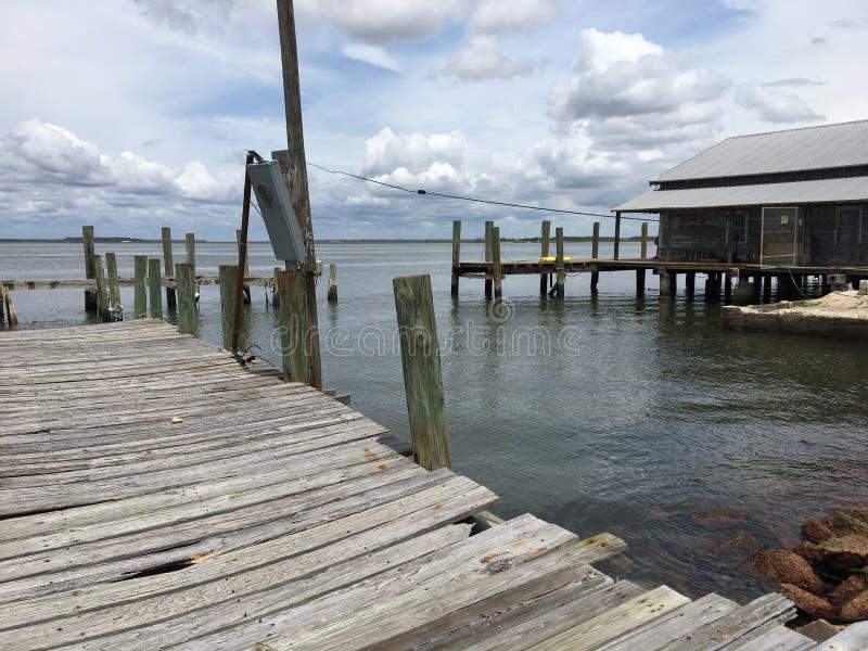 Dock abandonné 3 de mer images stock