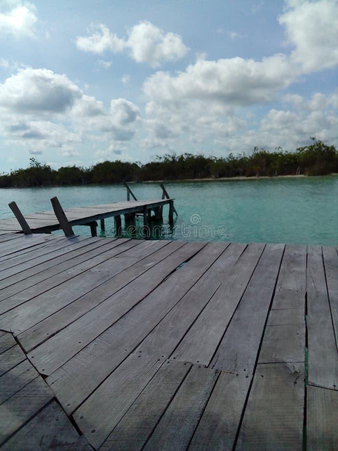 Dock auf dem See stockbilder