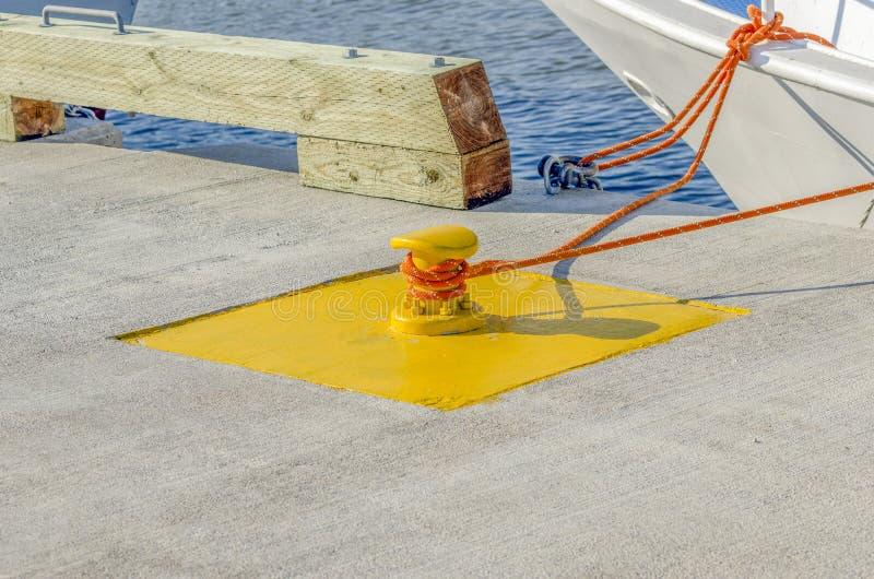 Dock-Bindung stockbild
